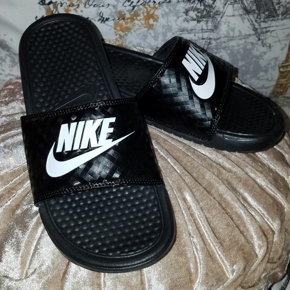 6f9cdef18803 Nike slides. M 5c422ff7c2e9fed93e722daf